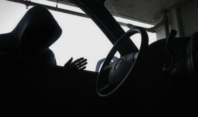 """Останал без својот автомобил """"Леон"""": Му го украле на сред бел ден на """"Партизанска"""""""