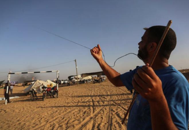 Балони со бомби – нова тактика во Газа