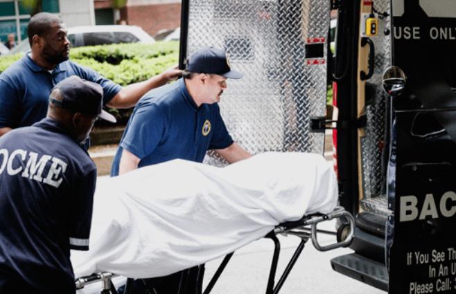 Поради страшно невреме во Њујорк, жена четири часа била заробена под урнатините на седумкатна зграда (ФОТО+ВИДЕО)