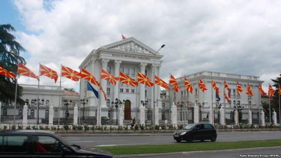 Влада: Иванов не се залага за решенија и не работи за интеграција на Македонија во НАТО и ЕУ