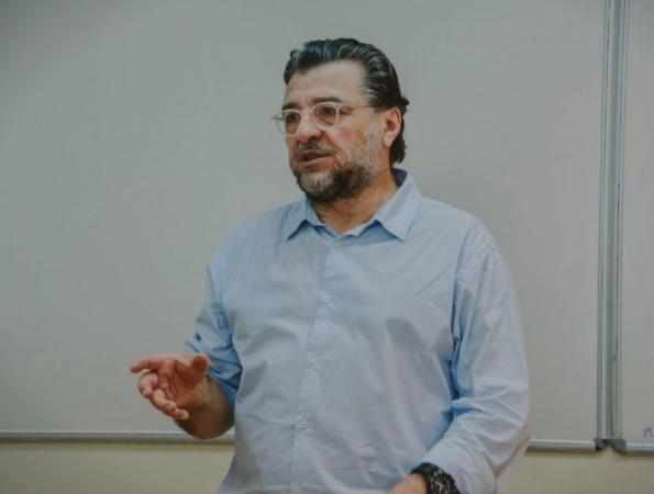 Двојна игра – Фрчкоски професор на Академијата на Владимир Путин