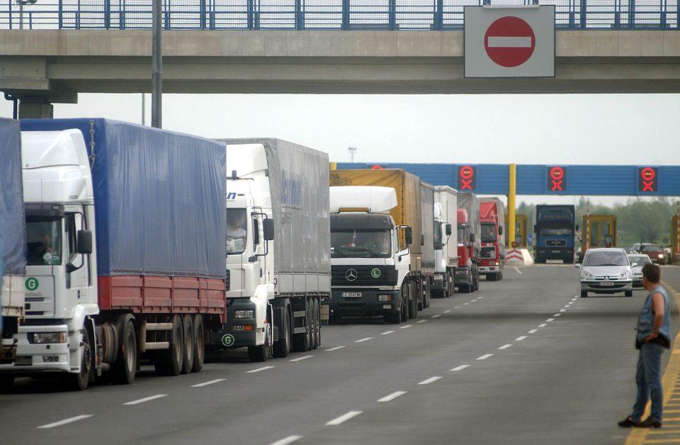 Забрана за влез на товарни возила во Грција поради очекувано невреме