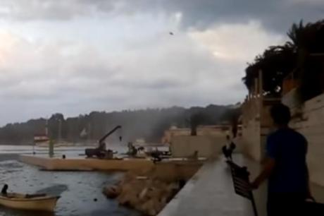 Големо невреме во Хрватска –  предмети летаа во воздух (ВИДЕО)