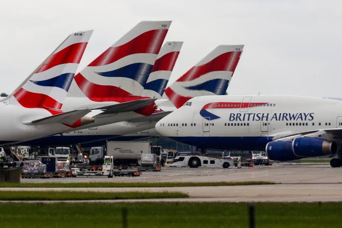 """Илјадници патници останаа без летови: Проблеми во проверката на летовите на """"Бритиш евејз"""""""