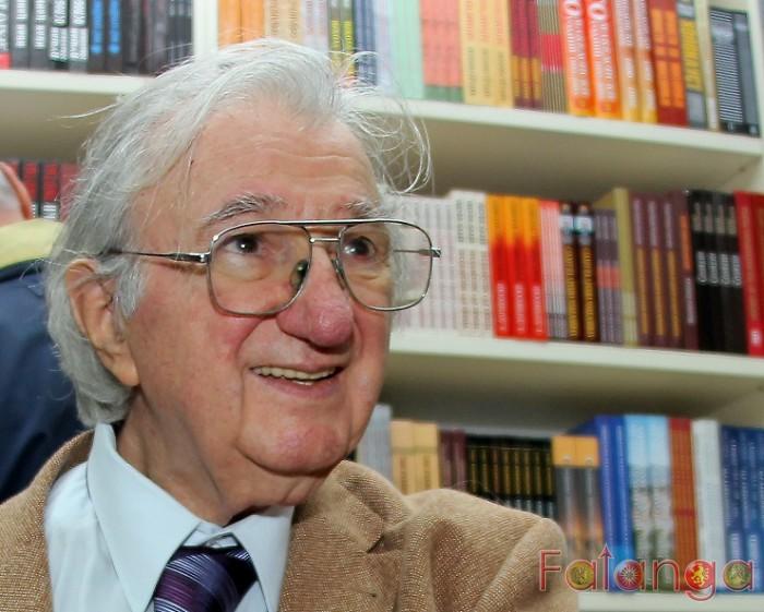 Тажна вест: Почина академикот и поетот Матеја Матевски