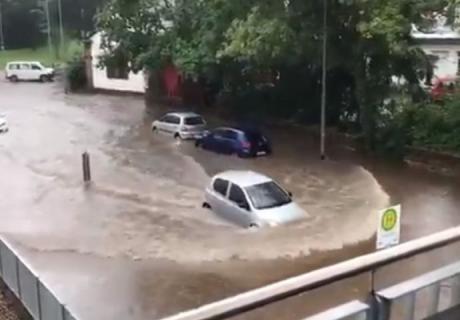 Во Германија силно невреме, делови од земјата под вода – снимките запрепастувачки (ВИДЕО)