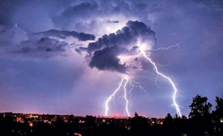Времето денес, умерено облачно време со повремен слаб дожд