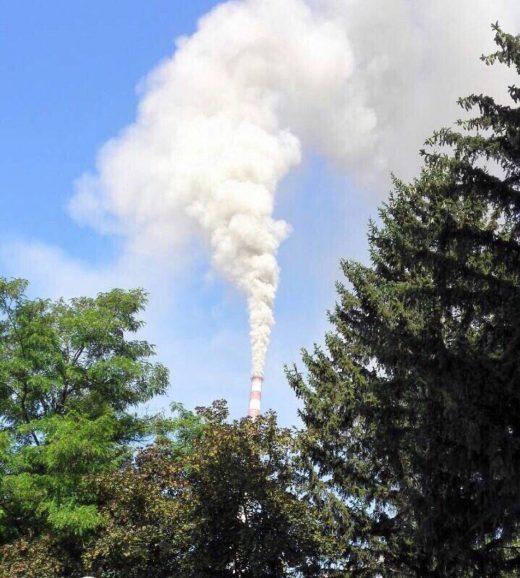 Осломеј прави еколошки геноцид ва Кичево: Се согорува пепел, канцероген чад го поклопи градот (ВИДЕО)