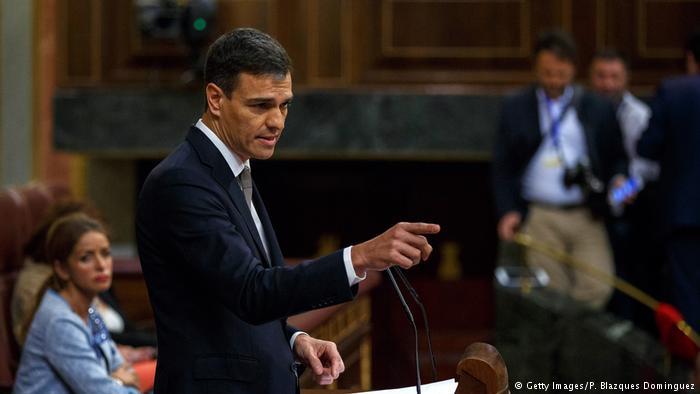 """Касадо: Каталонскиот претседател сака крвопролевање, а Санчез е """"мек"""""""