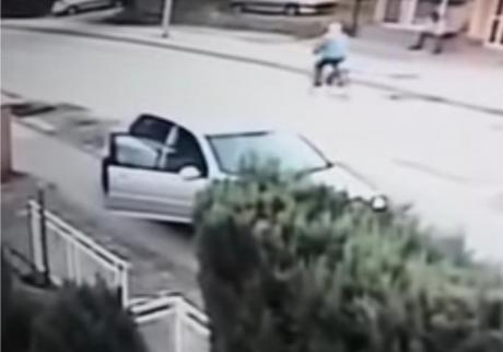 Се појави снимка од обид за ликвидирање – криминална пресметка среде улица (ВИДЕО)
