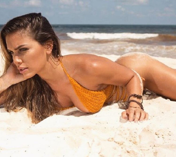 Цела репрезентација полуде по неа: Секси Аргентинка е заинтересирана само за Меси (ФОТО)