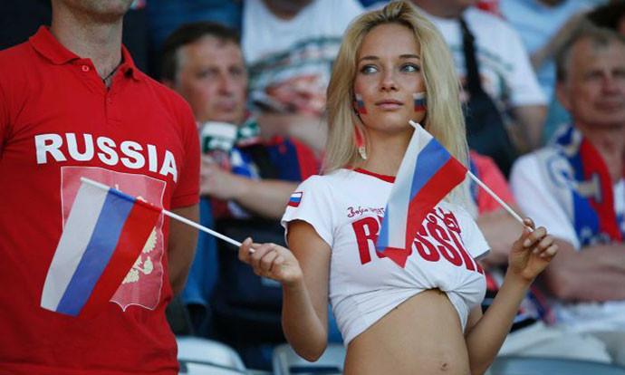 Пратеничка ги повика Русинките да не спијат со странци
