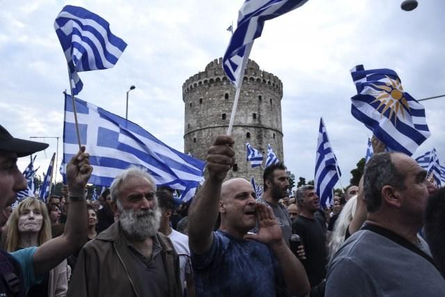 Грци уапсени во Солун – протестирале против Договорот од Преспа