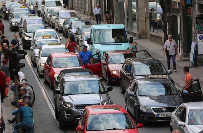 Во Србија продолжуваат протестите против високите цени на горивата
