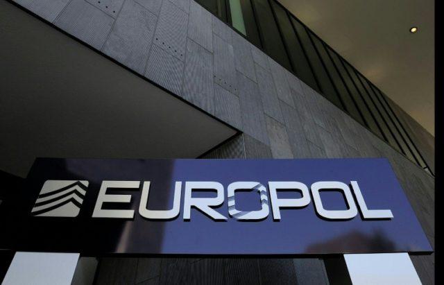 Европол: Во Шпанија запленета 17 тони храна заразена со листерија