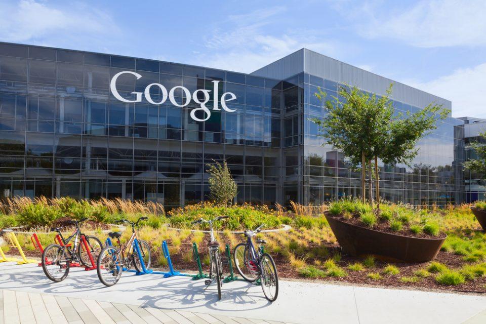 Дури 23 држави бараат пристап до технологијата за следење контакти од компаниите Епл и Гугл