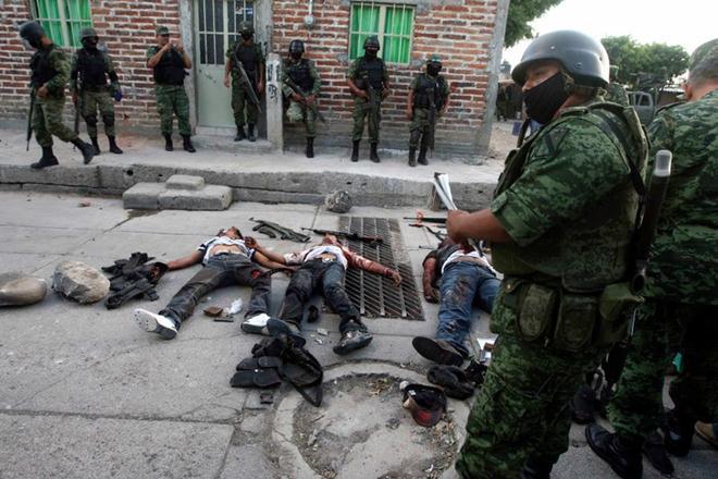 Северот на Мексико како во војна, 15 загинати
