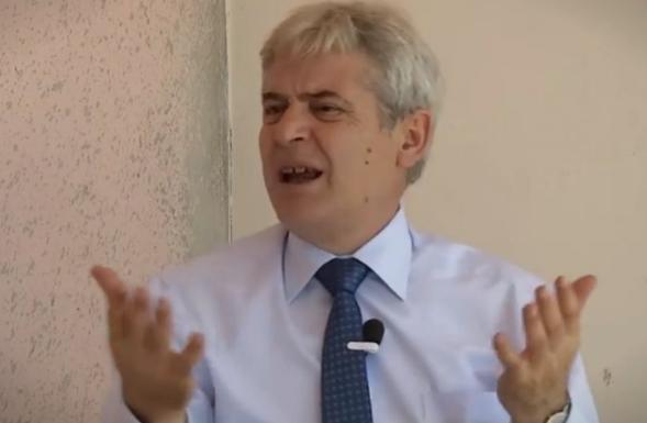 Ахмети: Гоце Делчев со кече на глава зборувал пред Албанците