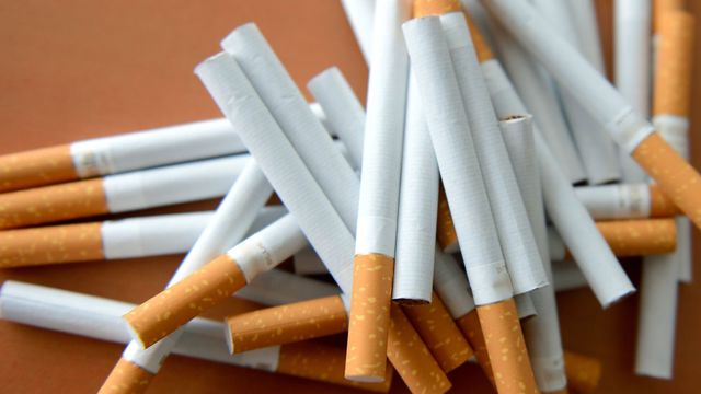 Поскапуваат цигарите во Македонија – цената за една кутија ќе достигне до 300 денари