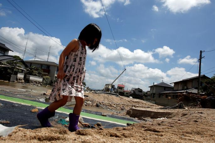 Хоророт во Јапонија сеуште трае: Околу 200 загинати во поплавите (ФОТО)