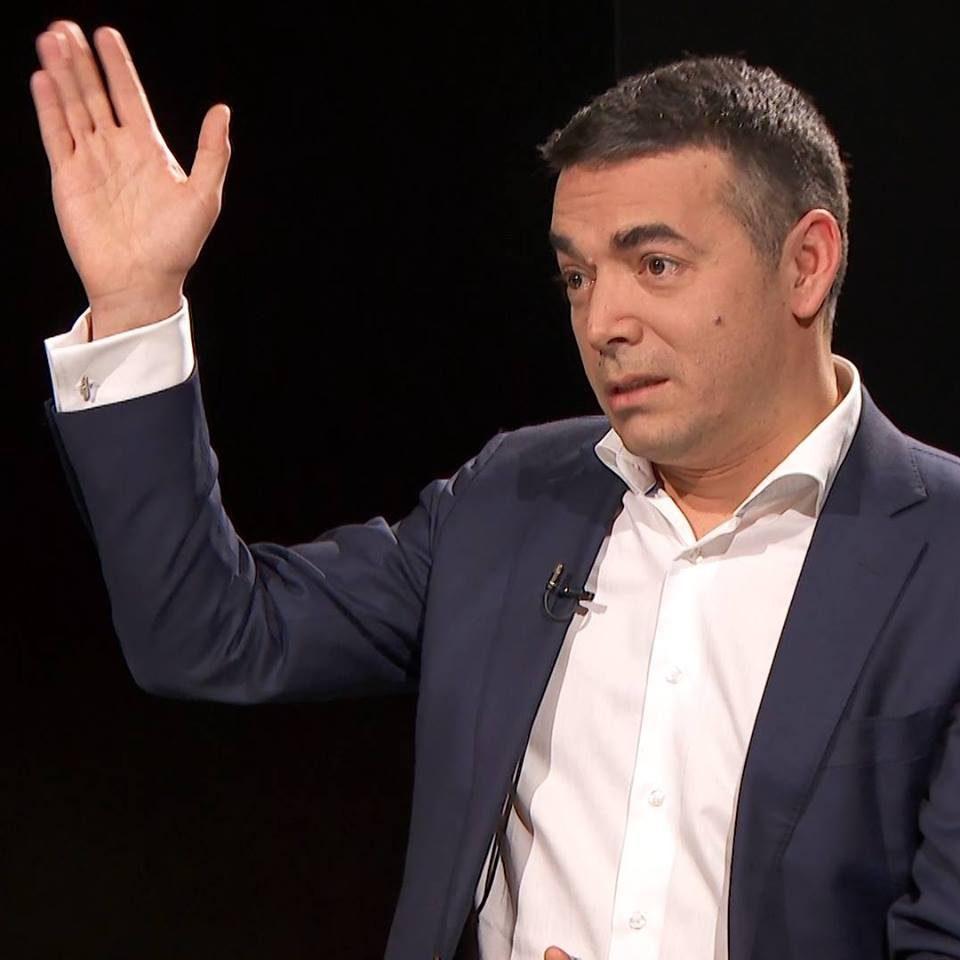(ВИДЕО) Им попушти за се, ама пак не го сакаат: Димитров пречекан со навреди во Атина