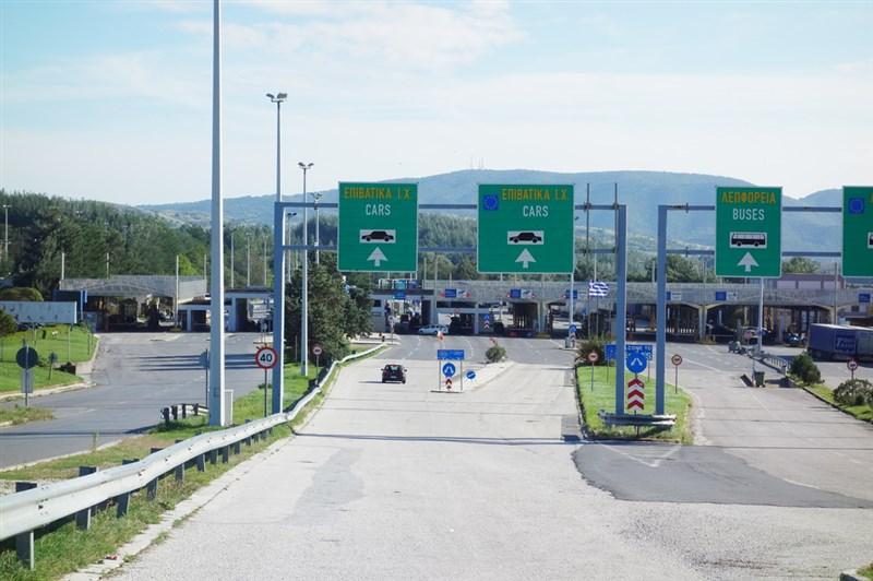 Од понеделник за влез во Грција брзи тестови и за возачите на камиони