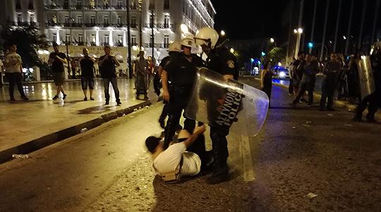 Инциденти на вчерашните протести во Солун и Атина