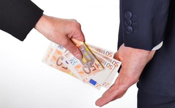 """Високите даноци и строгите регулативи ги притискаат фирмите кон """"Сива Економија"""""""