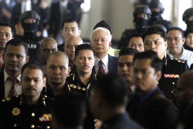 Поранешниот премиер на Малезија пред судот: Не сум виновен