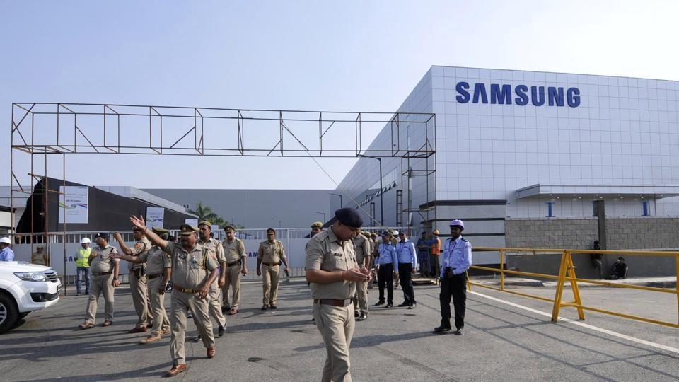 Отворена е најголемата фабрика за паметни телефони во светот