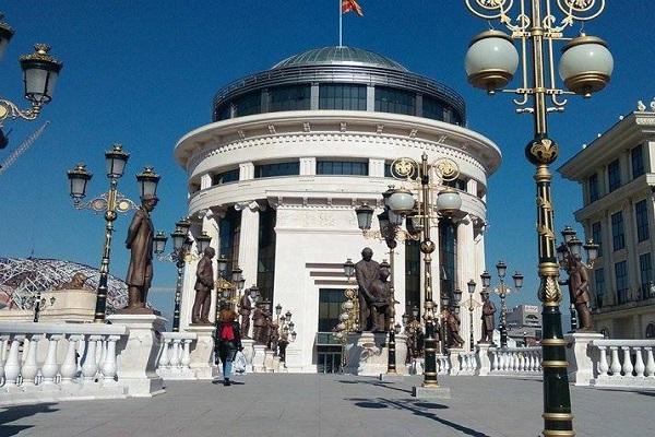 OJO истражува две лица кои се сомничат за разбојништво во спортска обложувалница во Скопје
