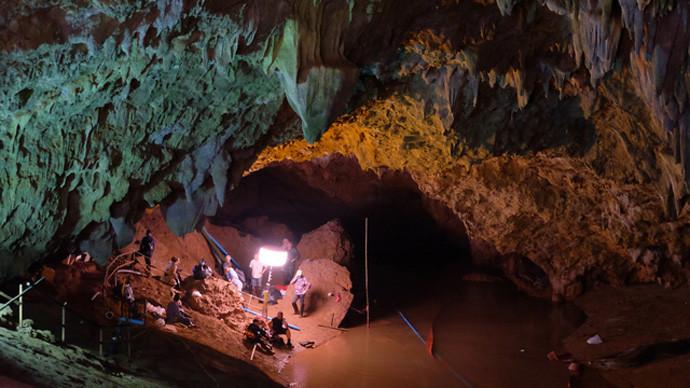 """Што ќе се случува понатаму со """"проколнатата"""" пештера во Тајланд?"""
