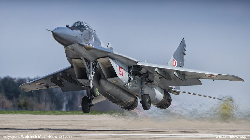 При пад на полски воен авион загина едно лице