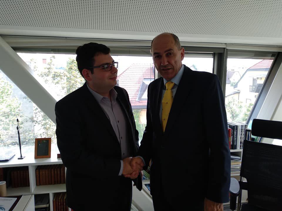 Новинарот Љупчо Златев направи ексклузивно интервју со идниот премиер на Словенија!