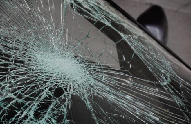 Страотна сообраќајка во Белград: Автомобил прегази 4-годично девојче и нејзината дадилка