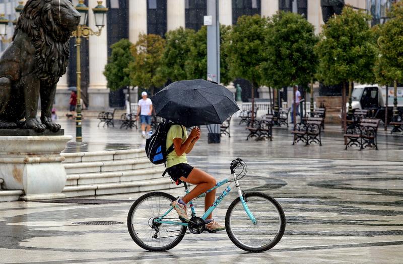 Од утре посвежо време со врнежи и грмежи