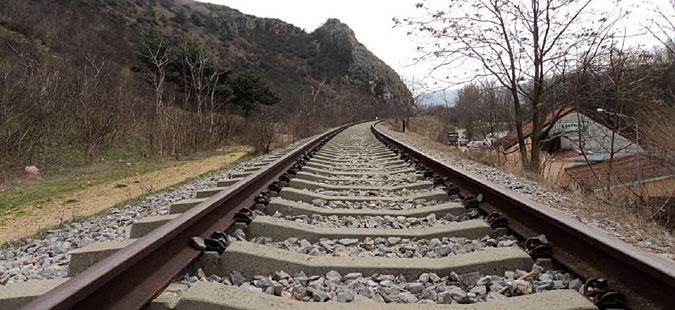 Посебен сообраќаен режим поради санација на железнички премин