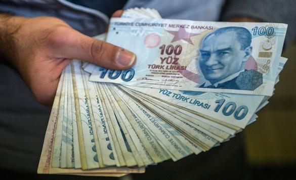 Турција со сериозни економски проблеми, Лирата со најголем пад на дневно ниво