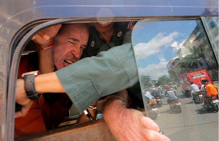 Режисер од Австралија осуден на 6 години затвор за шпионажа во Камбоџа