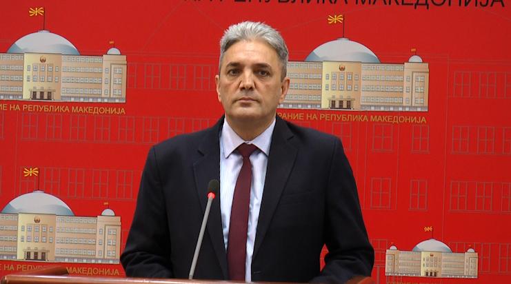 Атанасов потврдува дека сите основци ќе учат албански јазик