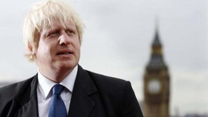 Британскиот премиер Џонсон претстави план за ублажување на мерките за крај на карантинот