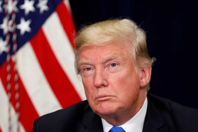 Демократите монтираат случај поврзувајки го Трамп со Русија
