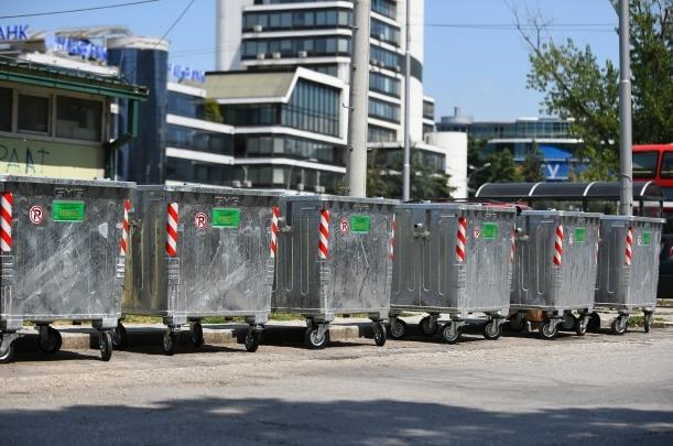 Во пет скопски општини заменети се 155 стари контејнери со нови