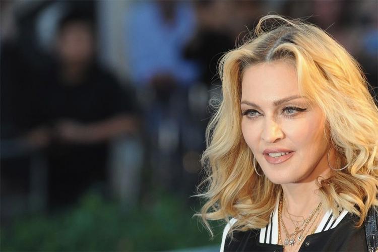 Поранешниот сопруг на Мадона откри што морал да прави за време на сексот со неа