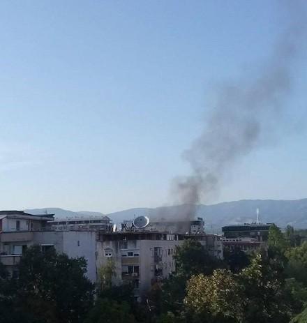 Изби пожар во стан во Карпош