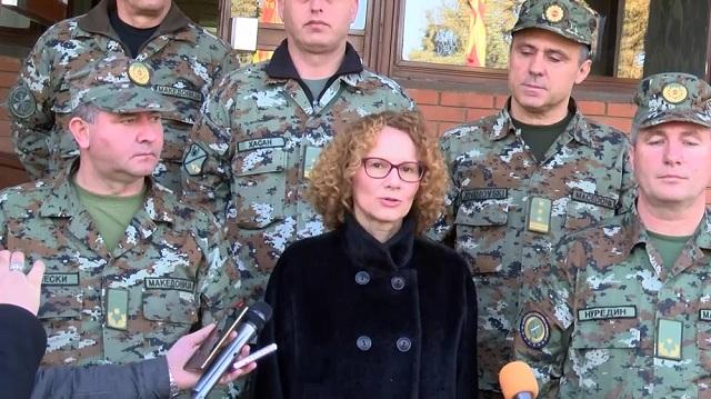 Шекеринска: Венецијанска ќе каже дали униформите на АРМ ќе бидат двојазични