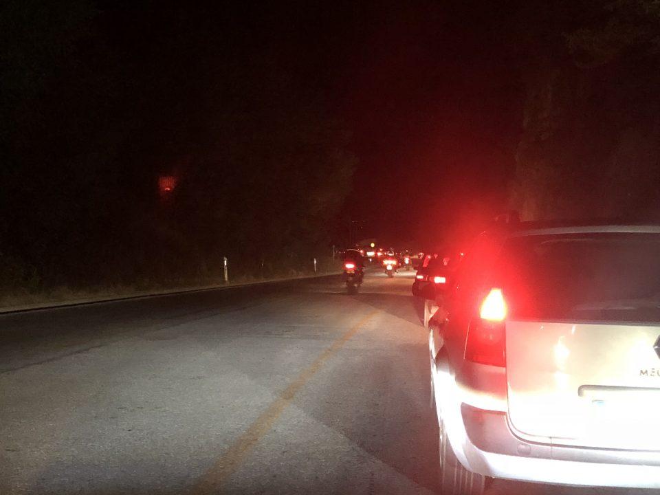 Колони возила кон Скопје – застој во сообраќајот кај Стража (ФОТО)