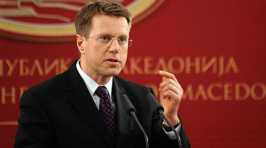 Жбогар: Почеток на преговорите со ЕУ само ако се промени името