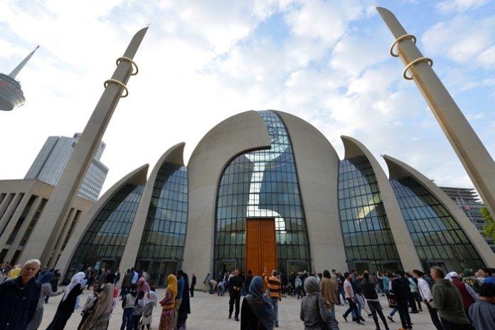 Ердоган во Германија ја отвори една од најголемите џамии во Европа