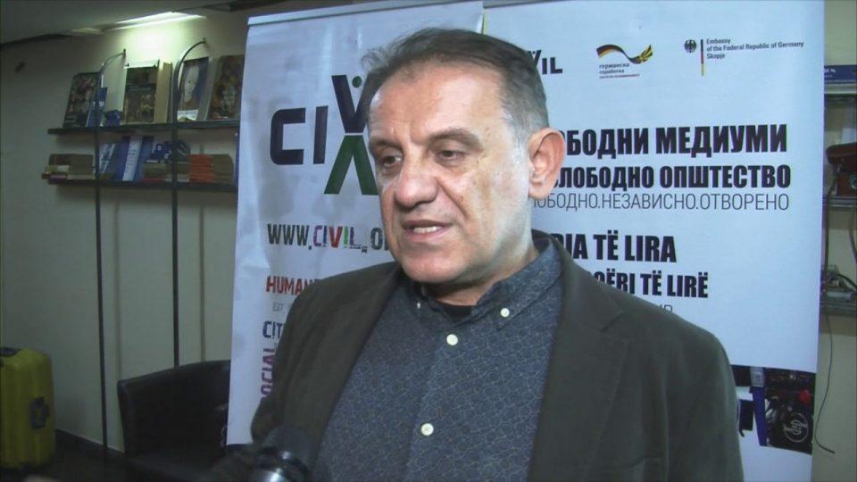 Антоновски ги почестил вработените во МИА со бонус пред референдумот